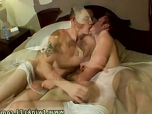 blowjob,tattoo,kissing,amateur,gay