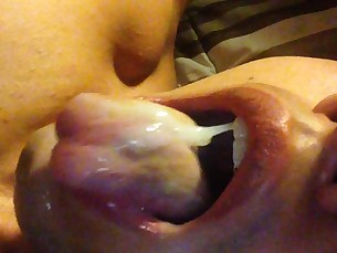 cum,eating,latino,guy,cumshot
