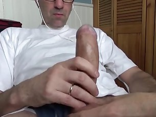 gorgeouzguyz,cock,daddy,outdoor,public