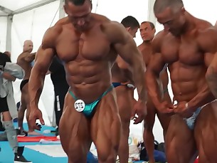 backstage,worship,bulge,bodybuilders,comp