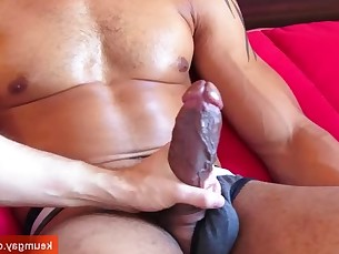 wank,wanked,muscle,serviced,guy